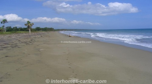 photos for LAS CANAS: 3x LOTS WITH 125 m SEAFRONT